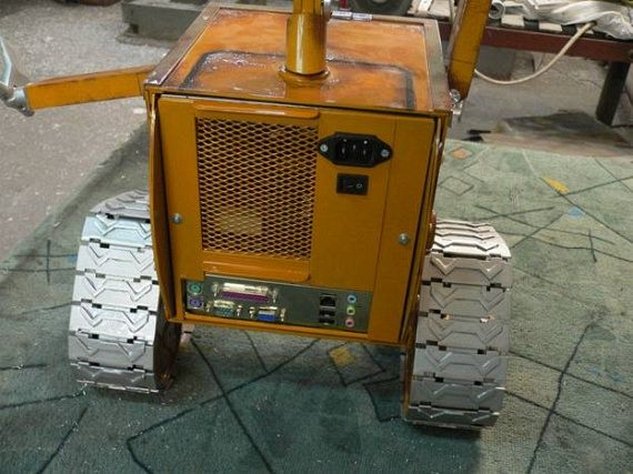 Russian Wall-E Case Mod (110 pics)