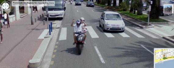 20 Crimes Caught on Google Street View (46 pics)