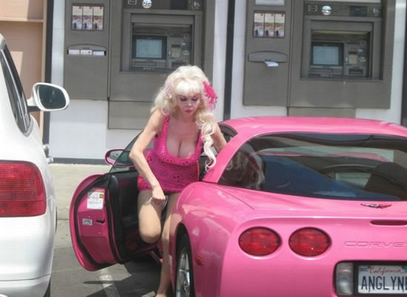Barbie Got Old (9 pics)