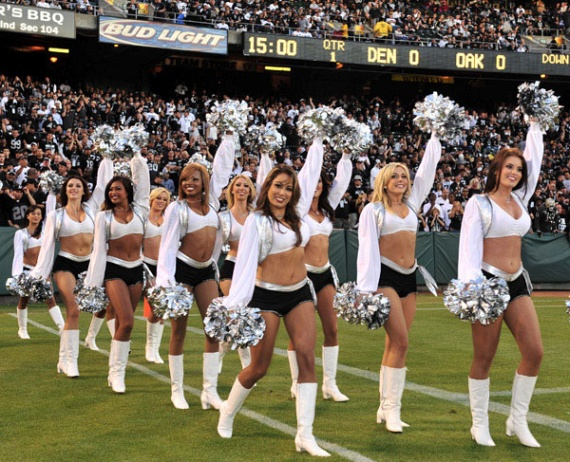 Pretty Cheerleaders (80 pics)