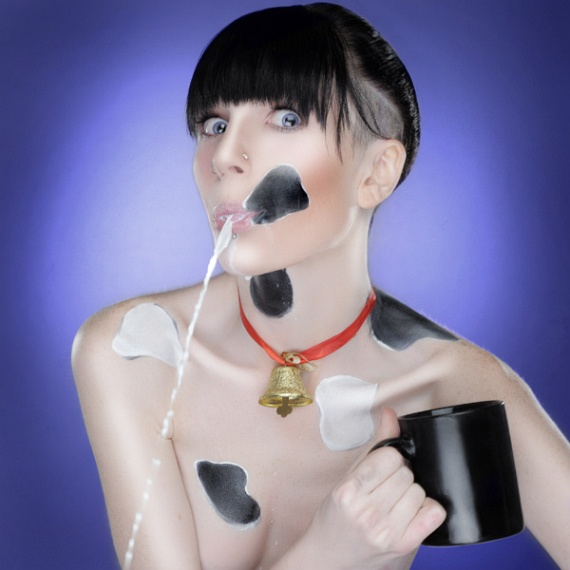 Milk Advertisement (11 pics)