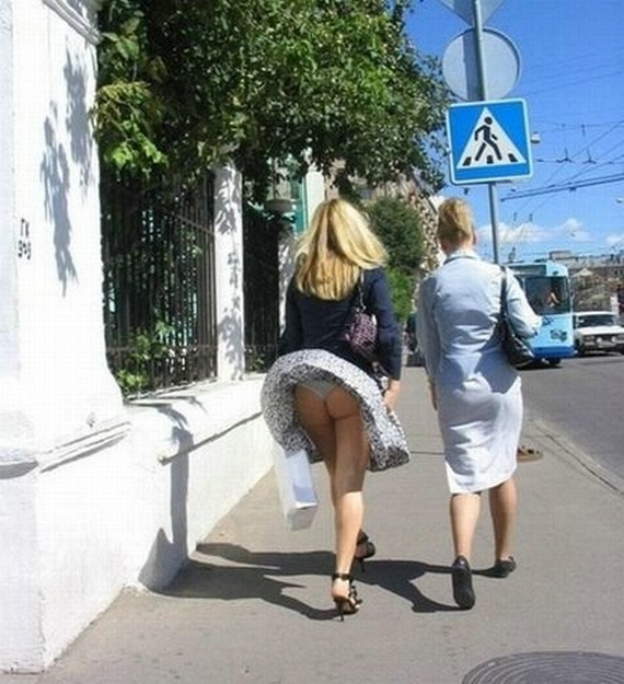 Wind vs. Skirts (32 pics)