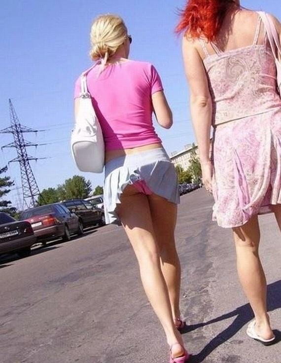 Wind vs. Skirts (32 pics)