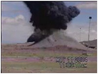 Explosion of a 2000 lbs bomb (1.2 Mb)