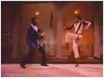 Hilarious Indian movie fight scene with levitation and so on… (2.5 Mb)