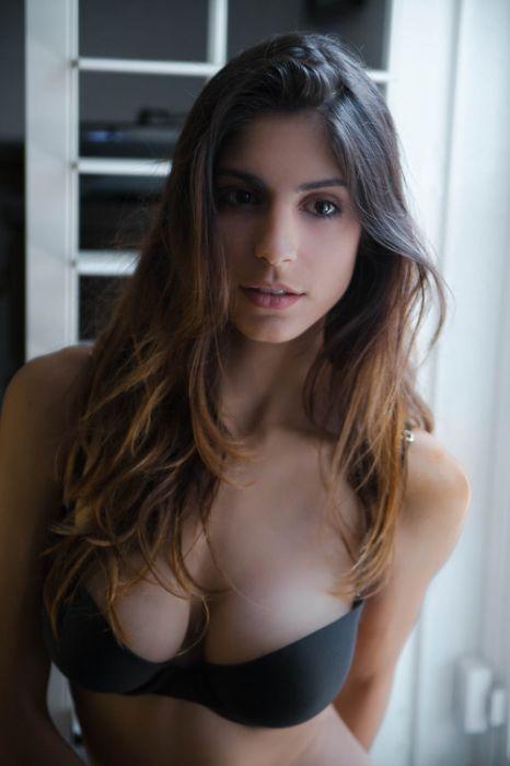 Drop Dead Gorgeous Girls In Lingerie (9 Photos)