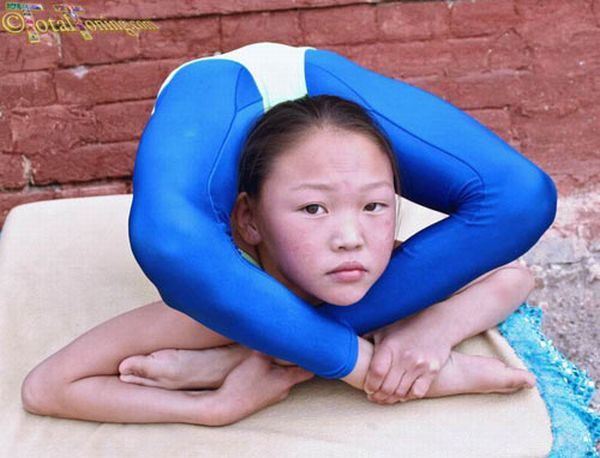 Chinese Gymnastics School (38 pics)
