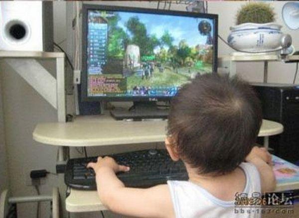 Little gamer (4 pics)