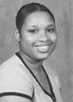 Before They Were Stars. Yearbook Photos (68 pics)
