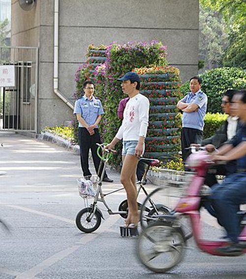 High heels + tight shorts + long legs = ? (6 pics)