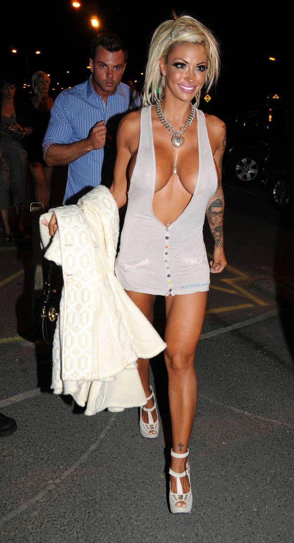That's what I call a good dress. Jodie Marsh (9 pics)