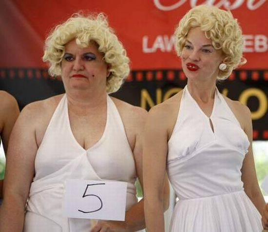 Marilyn Look-alike Contest in Cincinnati (17 pics)