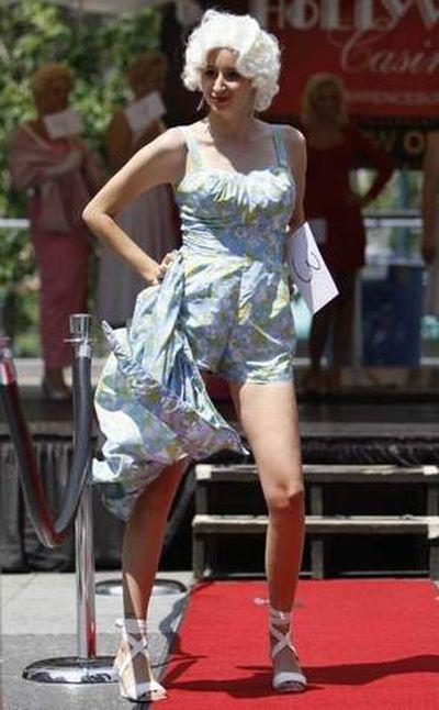 Marilyn Look-alike Contest in Cincinnati (17 pics)