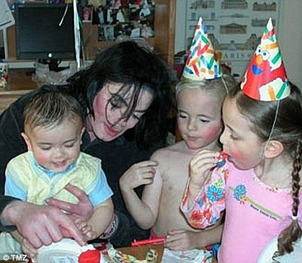 Michael Jackson's Kids (7 pics)