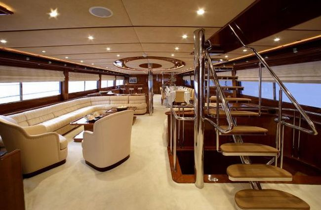 how do luxury yachts look inside 28 pics. Black Bedroom Furniture Sets. Home Design Ideas