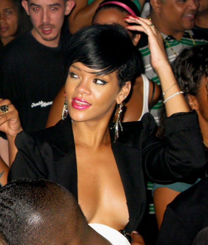 Rihanna celebrating the Independence Day at Tao Nightclub in Las Vegas  (10 pics)