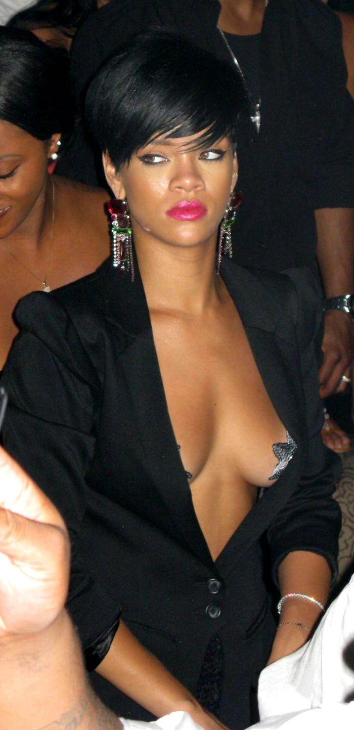 Rihanna celebrating the Independence Day at Tao Nightclub in Las Vegas  (10 pics)