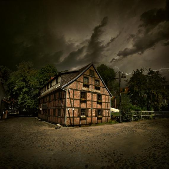 Spooky HDR (22 pics)