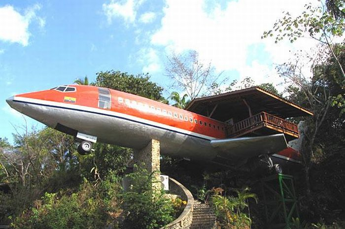 Boeing 747 Hotel in Costa Rica (9 pics)