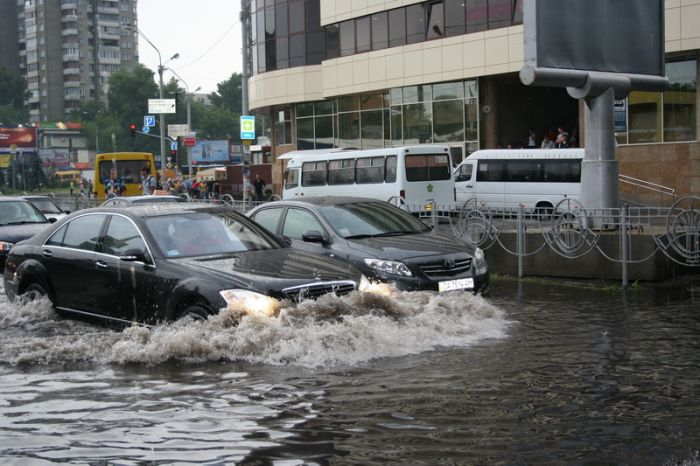 A flood in Kiev, Ukraine  (42 pics)