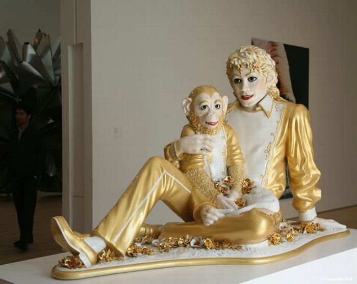Michael Jackson made of porcelain (4 pics)
