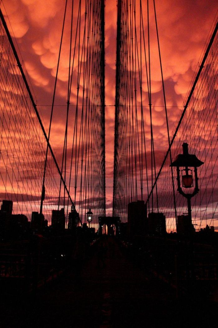 Beautiful clouds over New York  (17 pics)