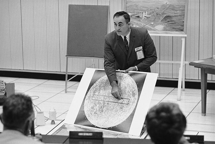 Apollo's Lunar Landing (25 pics)
