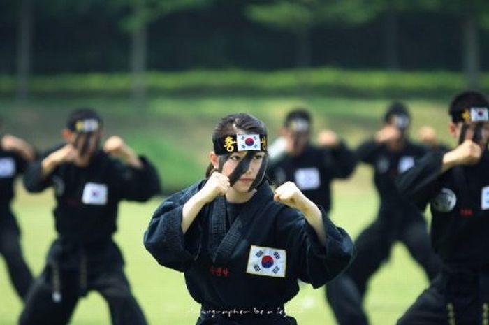 South Korea Karate Girls  (9 pics)