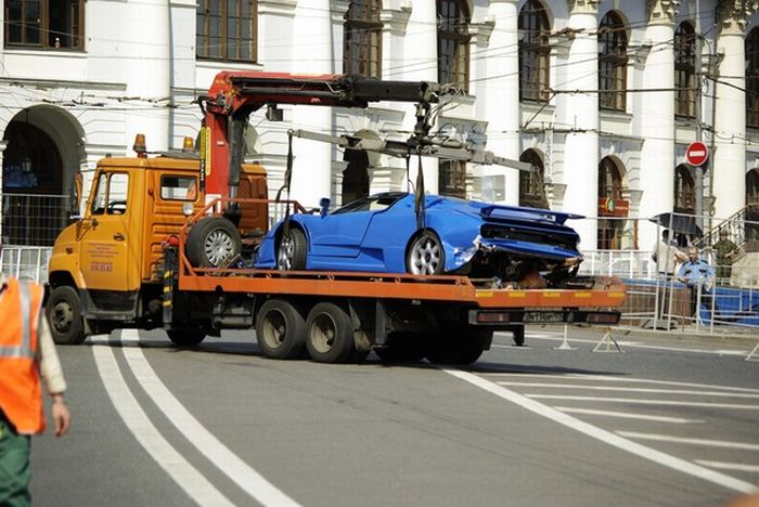 Bugatti crash during Formula One in Moscow (8 pics)