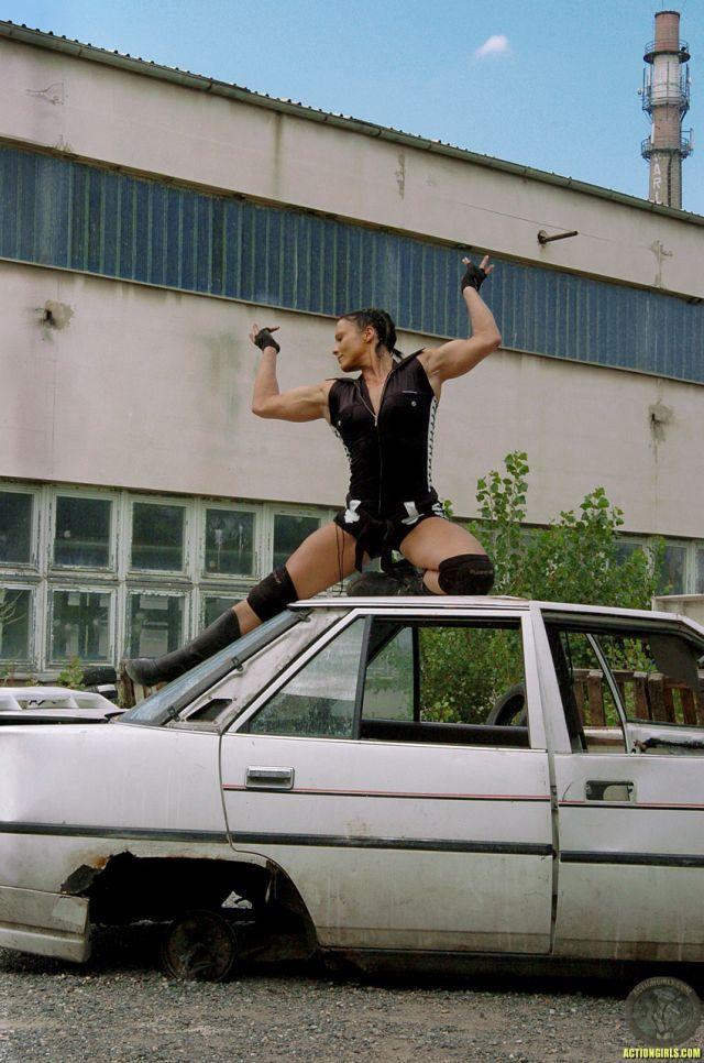 Action Girl (35 pics)