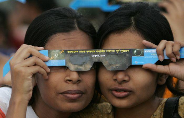 The longest solar eclipse of the century (42 pics)