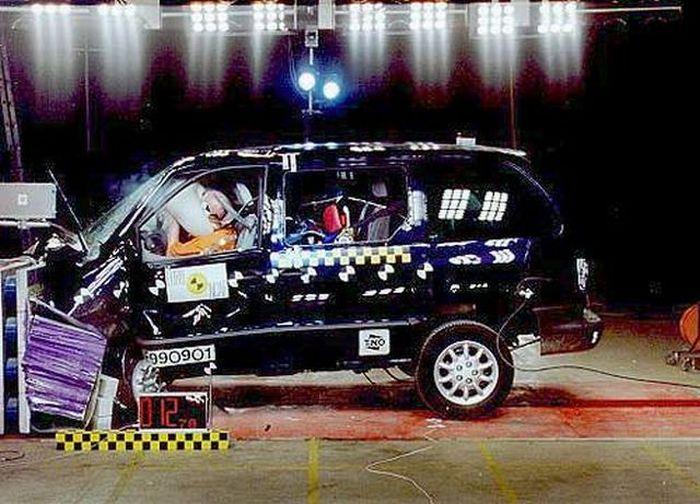 Crash Tests (41 pics)