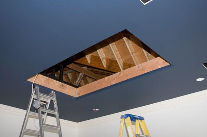 Ceiling TV (3 pics)