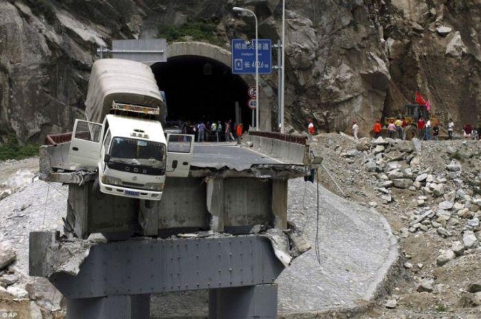 عکس: راننده کامیون خوش شانس