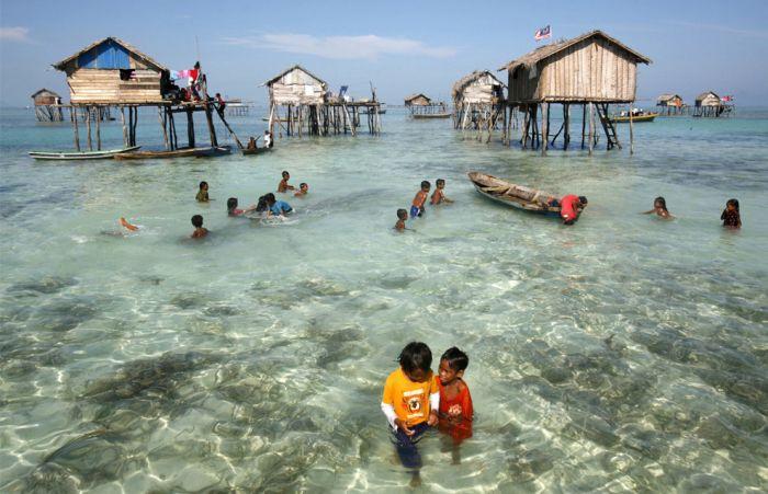 Bajau - sea gypsies (10 pics)