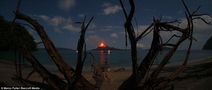Volcano Eruption in Indonesia (8 pics)