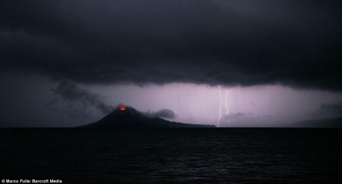 Volcano Eruption in Indonesia (8 pics)