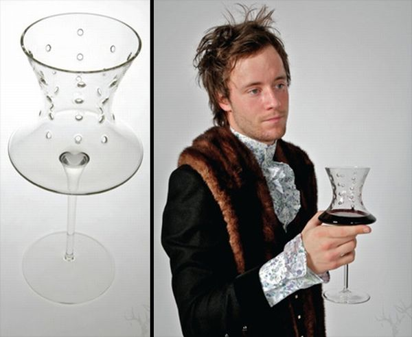 Seven deadly wine glasses (7 pics)