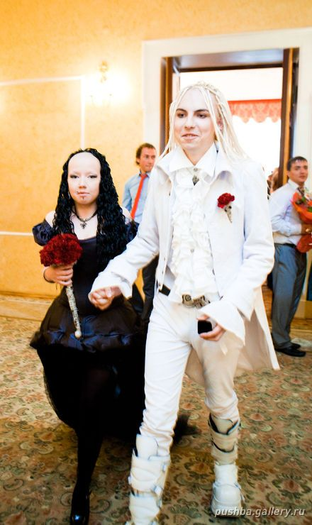 Goth Wedding in Russia (33 pics)