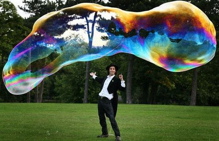 Giant Bubbles (13 pics)