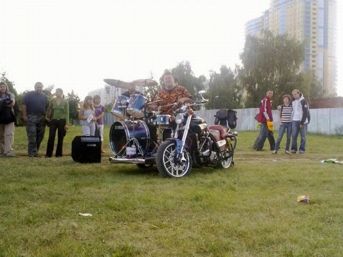 Drum Bike from Moscow (9 pics)