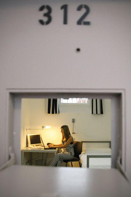 عکس: هتل آلکاتراز: تجربه زندان در یک هتل شیک!
