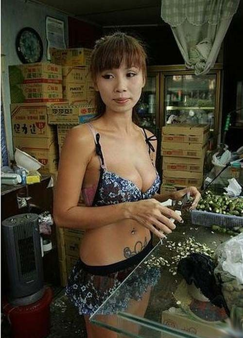 Betel Nut Beauties of Taiwan (51 pics)