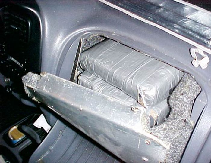 How to hide cocaine in the cars? (14 pics)