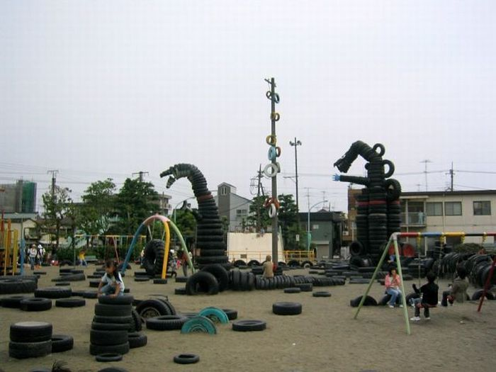 A tire park in Tokyo  (14 pics)