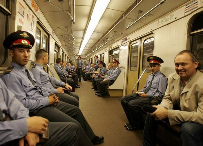 Once upon a time in subway (57 pics)