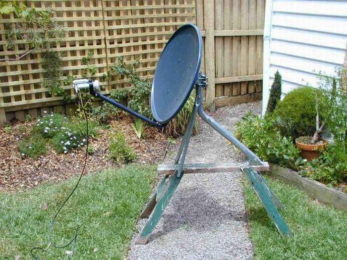 Satellite dishes around the world (37 pics)