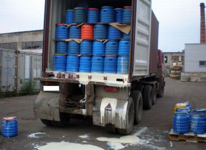Milk Transport Disaster (10 pics)