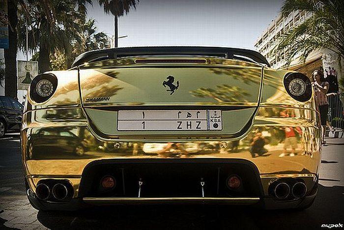 Golden Ferrari 599 GTB (18 pics)