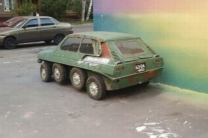 8-wheels car from Russia (5 pics)